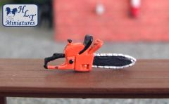WM041O Petrol Chainsaw (Orange) 1:32 scale by HLT Miniatures