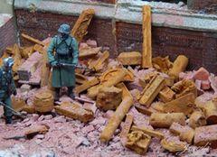 Rusty Industrial Scrap Metal 1:35/1:32 Scale by Juweela 23314