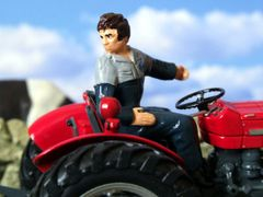 WM024 Tractor Driver Reversing by HLT Miniatures