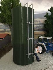 Green Vertical/Horizontal Tank by Minimaker (Prod. Code MIN01)