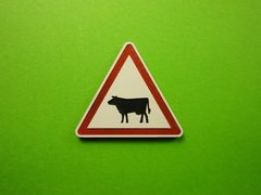 MCD-006 Road Sign Post Cattle 1:32 Scale by Minia-Cn
