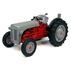 Ferguson FF30 DS (1957) Vintage Tractor 1:32 Scale by Universal Hobbies UH4190