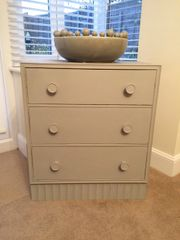 Shabby Chic Chest of Drawers in Authentic Soft Grey
