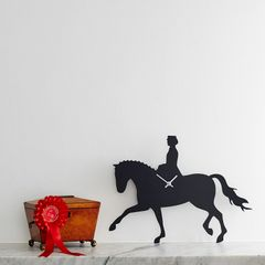 Dressage Waggy Tail Clock