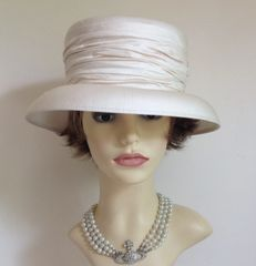 Formal Silk Ivory Hat With Double Bow & Knot Detail Church Wedding Goodwood Races