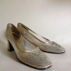 Mondaine 1960's Gold Leather Beaded Court Shoe UK Size 5