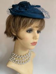 Kangol Vintage 1960s Teal Satin Pillbox Small Capulet Hat With Bow Fully Lined.