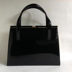 Black Large Synthetic Patent 1950s Vintage Handbag Kelly Bag Black Fabric Lining