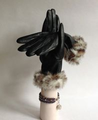 Marks And Spencer Black Leather Faux Fur Edged Gloves Size Medium To Large