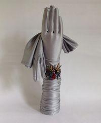 "Vintage 1960s Style Silver Nylon Lurex Stretch Opera Gloves 22"" Size 7 Approx"
