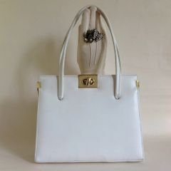 Acadia Well Loved White 1960s Soft Leather Vintage Handbag With Buff Suede Lining