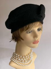 1960s Inspired Black French Style Wool Fine Knitted Side Bow Beret Unlined
