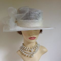 HATBOX Ivory Natural Fibre Hat With Net BowAnd Brooch Side Detailing Wedding Church Races