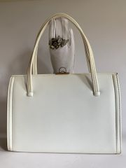 Freedex White Large 1950s 1960s Vintage Synthetic Handbag With Buff Suede Lining.