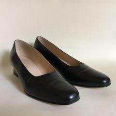 Clarks Black Leather 1980s Vintage 1.75 Inch Low Heel Court Shoe UK 4 EU 37