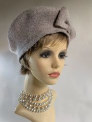 Beige Marl French Style 1960s Inspired Wool Fine Knitted Side Bow Beret Unlined