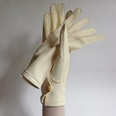 1950s Vintage Ivory Kid Skin Button Wrist Evening Gloves Weddings Church Size 7