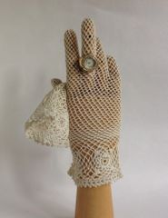 Vintage 1950s Ivory Crochet Fish Net Stocking Wrist Length Gloves Size 6.5/7