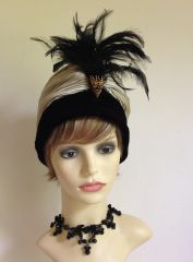 Modèle Paris Renovated Vintage 1940s Champagne Fabric & Black Velvet Flapper Style Turban Hat Large Feather Brooch Detail to front