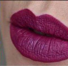 Doll face Vampire Pout Liquid Matte Lipstick