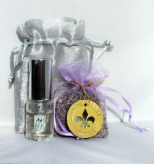 HOLIDAY SPECIAL! Lavender Pillow Spray / Sachet in Gift Bag