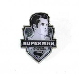 DC LEGION OF COLLECTORS BATMAN VS SUPERMAN BOX EXCLUSIVE SUPERMAN PIN BADGE