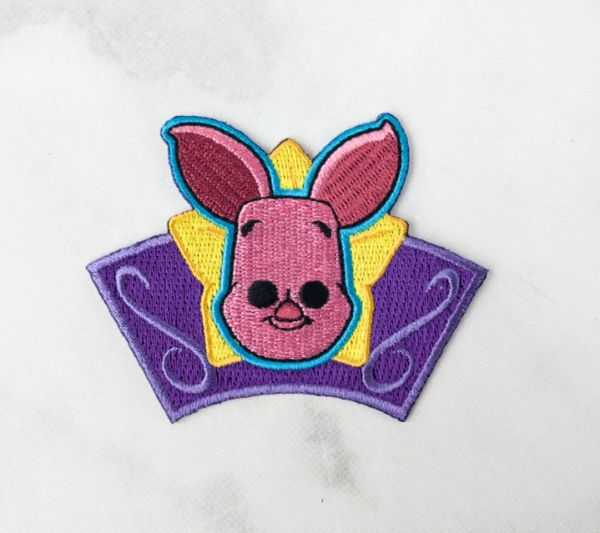 DISNEY TREASURES FESTIVAL OF FRIENDS - PIGLET PATCH