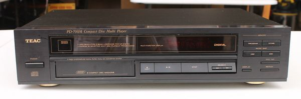 TEAC PD-700M Compact Disc (6 disc) Multi Player