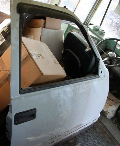 95-2000 Chevy Pick Up LF Electric Door-White