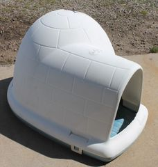 PetMate Indigo Igloo Heavy Plastic Dog House