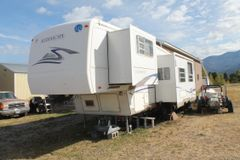 Alumascape Holiday Rambler 28' 5th wheel camper