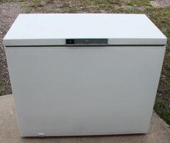 GE 10 CF Chest Freezer