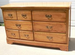 Solid Oak 6 Drawer Long Dresser/Chest of Drawers