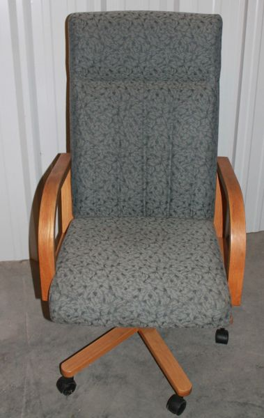 Executive High Back Desk Chair