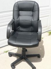 Black Hi-Back Office Chair w/ Plastic Arms