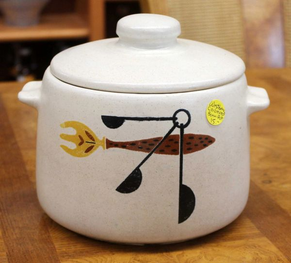 Westbend Covered Bean Pot