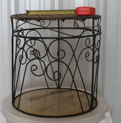 Round Black Metal w/ Wicker Top Stand / Table
