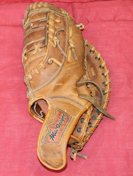 Vintage MacGregor Big Dipper BM7T Glove Mitt John Mayberry Autograph Model
