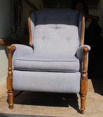Maple Upholstered Wing Back Recliner-Lavender / Blue