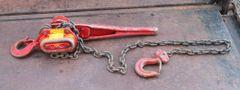 Beebe Bros. 1 1/2 Ton Chain Hoist