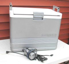 Koolmate 40 by Igloo Iceless 40 Quart Thermoelectric Cooler