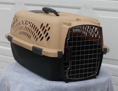 Small Animal Kennel / Pet Taxi / Carrier