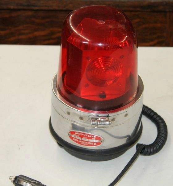 Vintage Action-Lite BB-P Rotating Red Emergency 12V Light