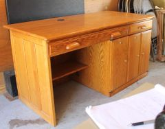 Oak Computer 5' Desk w/ Locks and Slide Outs