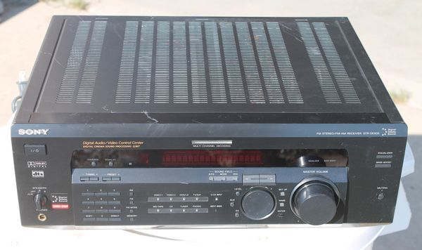 Sony FM/AM Stereo Reciever STR-DE835 w/ Remote