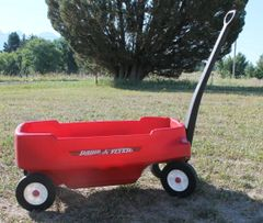 Radio Flyer Wagon with Seats, Seat Belts and Cup Holders