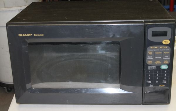 Sharp Carousel Microwave 1100 Watt
