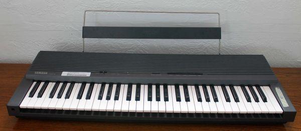 Yamaha Portable Keyboard YPR-8