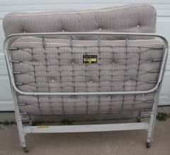 Vintage Simmons Roll-away Bed