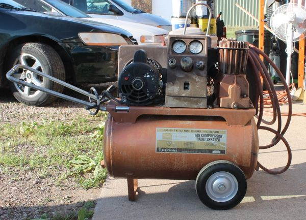 Craftsman Twin Cylinder Air Compressor/Paint Sprayer 106.15481